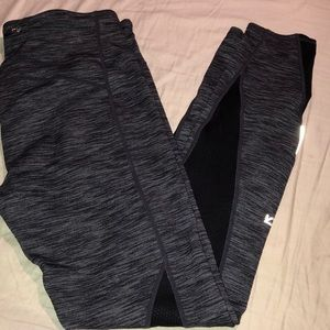 Pre-owned GAP leggings size medium.